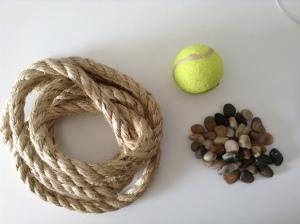 חבל סיזל, כדור טניס, חלוקי נחל